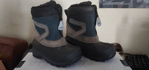 Kids snow boots size 7 for Sale in Los Angeles, CA