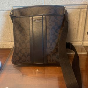 Large Coach Messenger Bag for Sale in Garden Grove, CA