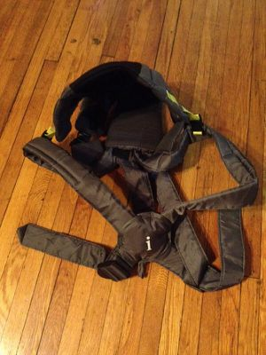 Infantino™ baby carrier for Sale in Detroit, MI