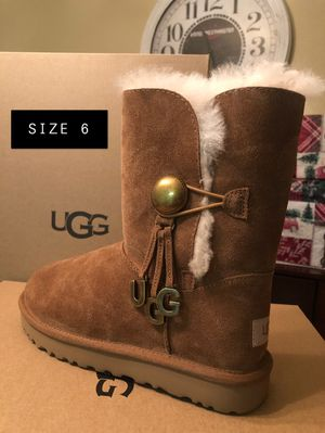 BAILEY BUTTON UGG CHARM for Sale in Manteca, CA