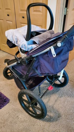 Combo: Urbini folding travel stroller, infant car seat for Sale in Minneapolis, MN