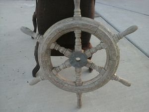 Boat steering wheel with brass Center peace 23 in tip-to-tip for Sale in Hesperia, CA
