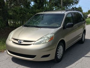 Very clean 2008 Toyota Sienna Minivan LE for Sale in Hudson, FL
