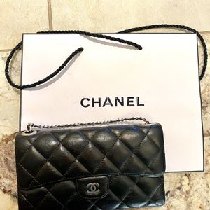 Chanel Quilted Bag On chain for Sale in Federal Way, WA