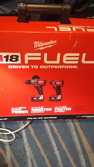 Milwaukee m18 fuel combo drill set for Sale in Denver, CO