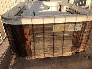Spa/Hot tub for Sale in Los Angeles, CA
