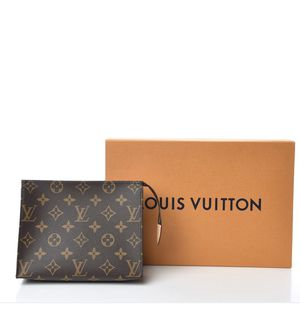 Louis Vuitton toiletry bag 19 for Sale in Phoenix, AZ