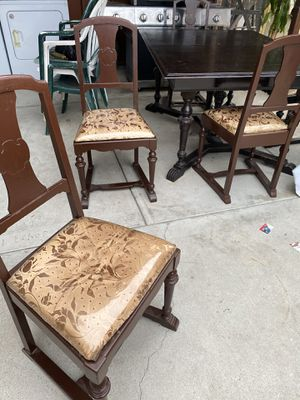 Dinning table for Sale in Long Beach, CA