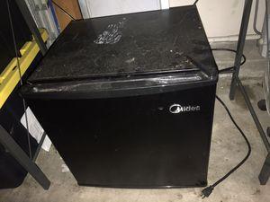 Mini fridge for Sale in Glendora, CA