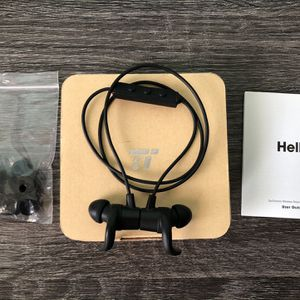 Earbuds With Build in Microphone for Sale in Virginia Beach, VA