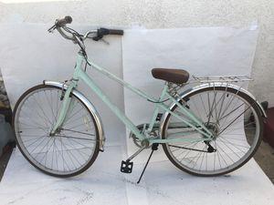 Schwinn ladies bike for Sale in CTY OF CMMRCE, CA