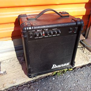 Small guitar Amplifier for Sale in Mount Rainier, MD