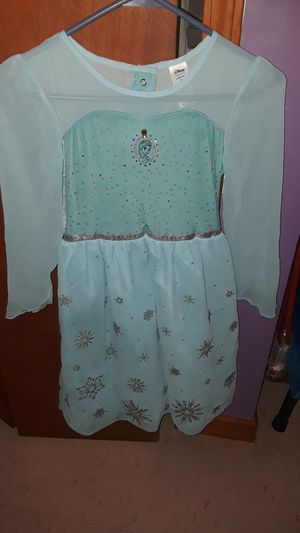 Elsa dress size 7 for Sale in Chicago, IL