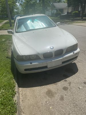 BMW 530i 02 has sports mode! for Sale in Cleveland, OH