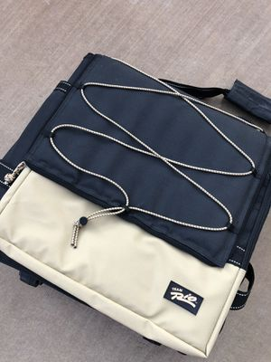 Cooler bag with handle and wheels for Sale in Henderson, NV