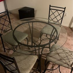 Table for Sale in Hillsboro,  OR