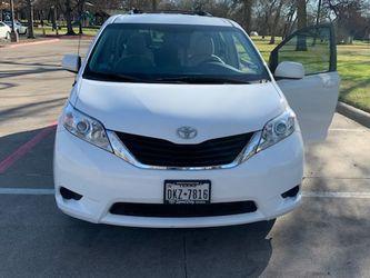 2015 Toyota Sienna for Sale in Arlington,  TX