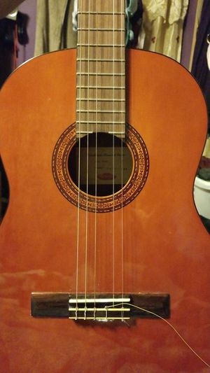 Guiter for Sale in Hillcrest Heights, MD