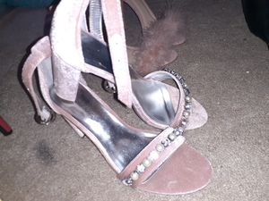 Pink rhinestone thick heel for Sale in MONTGOMRY VLG, MD