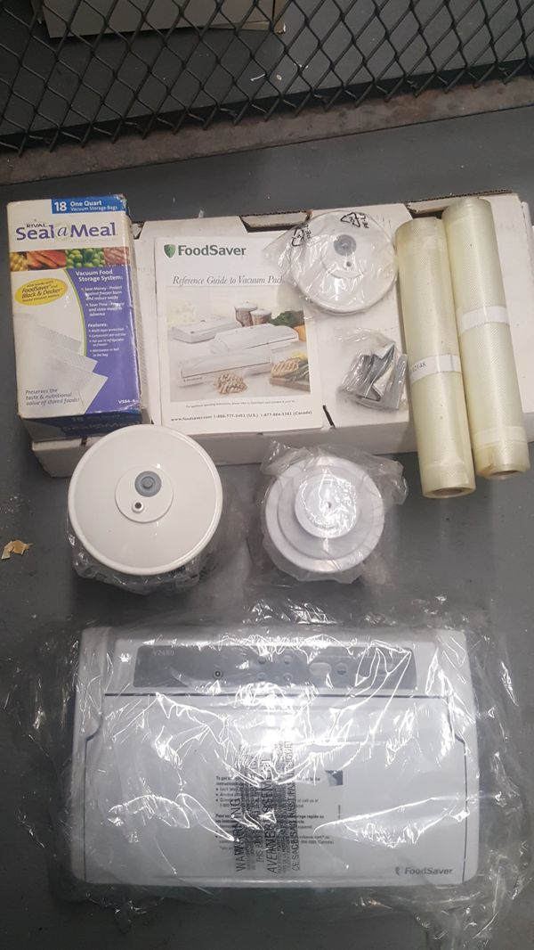 NEW NEVER USED IN BOX FOOD SAVER WITH ALL THE ACCESSORIES