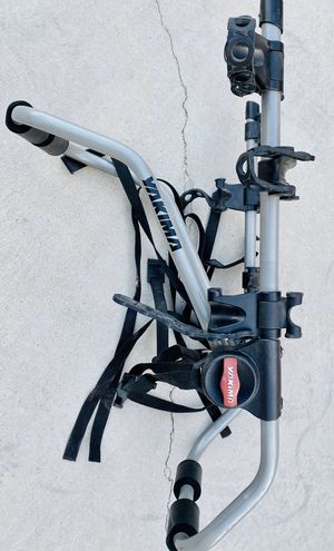 Yakima Bicycle trunk rack holds three bikes for Sale in Las Vegas, NV