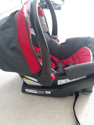 Graco car seat with base for Sale in Mableton, GA