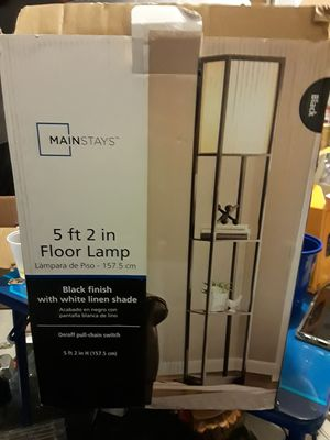 Mainstay - 5ft 2 in floor lamp for Sale in Compton, CA
