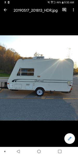 Trail lite hybrid camper shell for Sale in Interlochen, MI