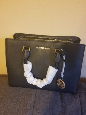 Brand New Michael Kors Black Leather Satchel/Crossbody for Sale in Garland, TX