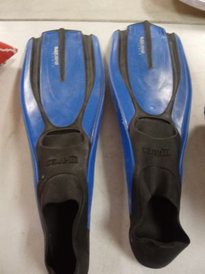 Mens Swimming Fins Size 11-12 for Sale in Norfolk, VA