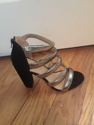 Black and gold heel for Sale in Pittsburgh, PA