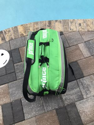 Prince Tour Team 12 Pack Tennis Bag Pre-owned with double shoulder straps for Sale in Merritt Island, FL