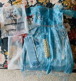 New Elsa Costume 6/6X with Accessories for Sale in Valrico,  FL