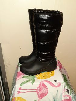Black/ 9 West Snow Boots Size9 for Sale in Philadelphia,  PA