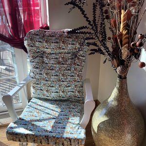 Nursery / Gliding / Rocking Chair for Sale in Woodbridge Township, NJ