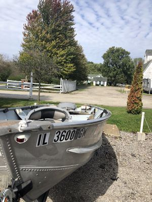 12 ft V Hull Aluminum Fishing Boat with Trailer for Sale in Geneva, IL
