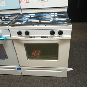 WHIRLPOOL GAS STOVE WORKING PERFECT W/4 MONTHS WARRANTY for Sale in Baltimore, MD