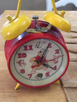 Disney Winnie The Pooh Alarm Clock Wind Up Metal Clock By Sunbeam for Sale in Santa Ana,  CA