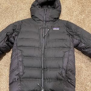 Patagonia Grade 7 Down Parka Medium for Sale in Golden, CO