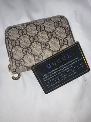Gucci wallet with box for Sale in Fremont, CA