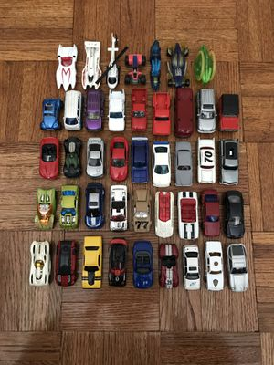 Assorted Die-Cast Car Collection Lot, HotWheels,MatchBox,MotorMax, etc! 43 Pieces In Total for Sale in New York, NY