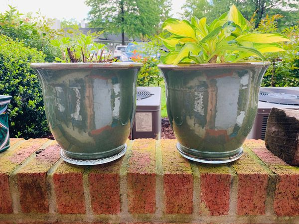 Two ceramic planters cold resistant