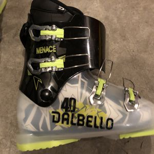 Dalbello Menace 4.0 Junior Kids Ski Boots - Excellent Condition for Sale in Issaquah, WA