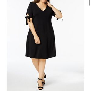 New woman's black dress for Sale in Claremont, CA