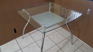 Mesa de comedor semicuadrada de cristal y metal 35.5 x 35.5 pulgadas y 30 de altura. for Sale in Miami, FL