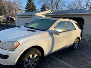 06 Mercedes ml 350 awd part out only !! for Sale in Worth, IL