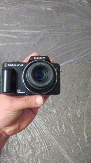 Sony digital camera 8.1 mega pixle 3 techargable batteries for Sale in Melvindale, MI