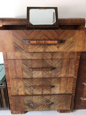 Vintage dresser for Sale in Medina, OH