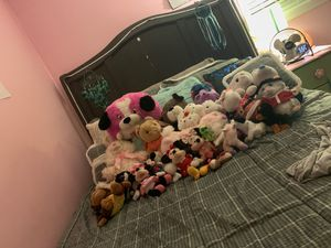 Stuffed animals. NEEDS TO BE GONE BY 2020 for Sale in Virginia Beach, VA