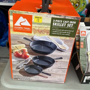 New Ozark Trail 3 Piece Cast Iron Skillet Set for Sale in Houston, TX